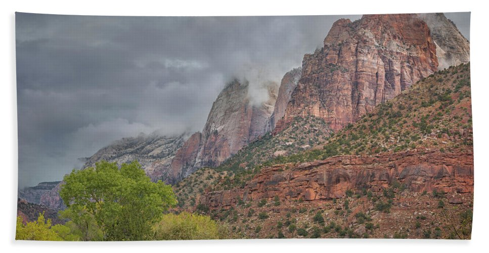 Zion Hand Towel featuring the photograph Ancient Memories by Arti Panchal
