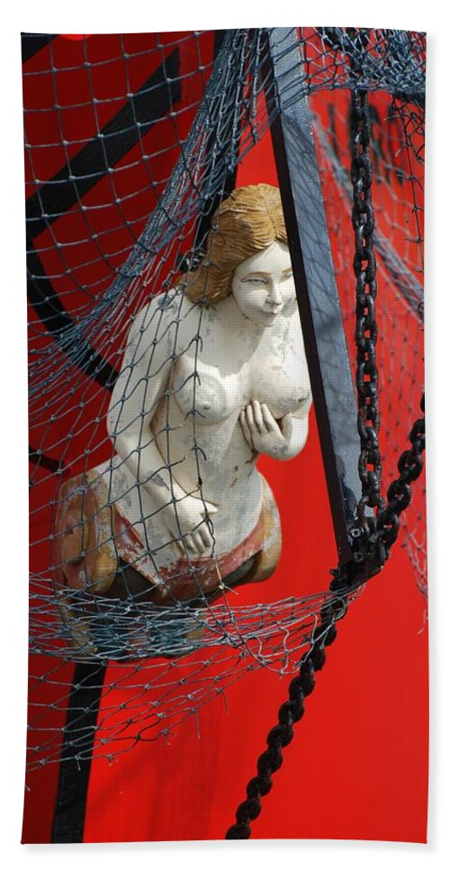 Ship Bath Towel featuring the photograph Angel Of The Seas by Rob Hans