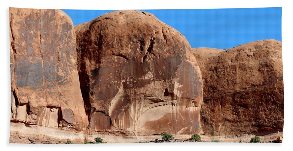 Red Rock Hand Towel featuring the photograph Angry Rock - 3 by Christy Pooschke