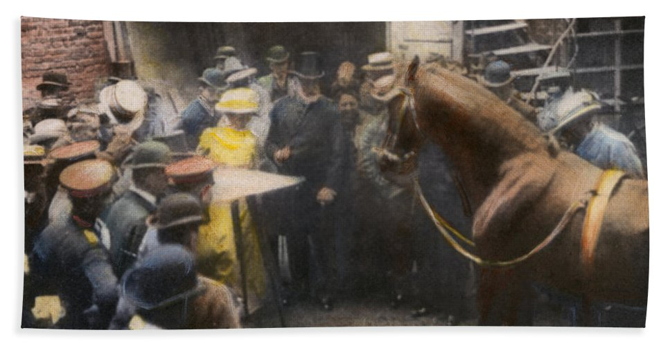 1904 Bath Sheet featuring the photograph Animals: Clever Hans, 1904 by Granger