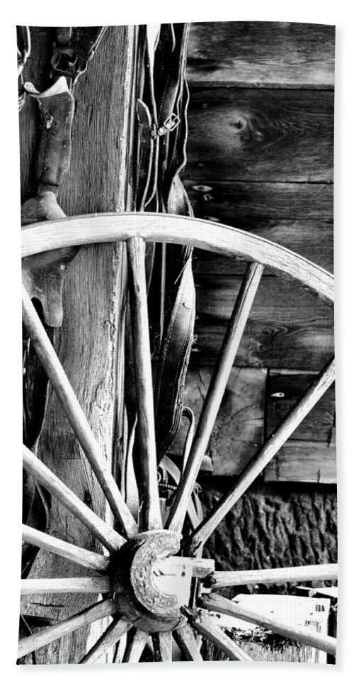 Black And White Hand Towel featuring the photograph Antique Wagon Wheel by Michelle Joseph-Long