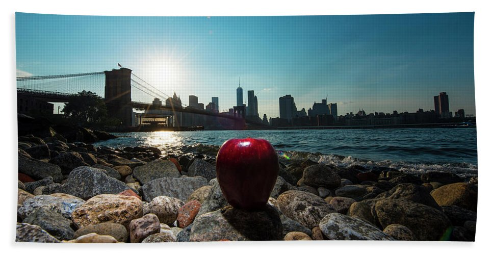 Bath Towel featuring the photograph Apple On The Rocks by Michael Rivera