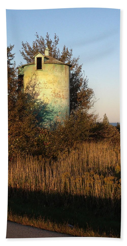 Silo Hand Towel featuring the photograph Aqua Silo by Tim Nyberg