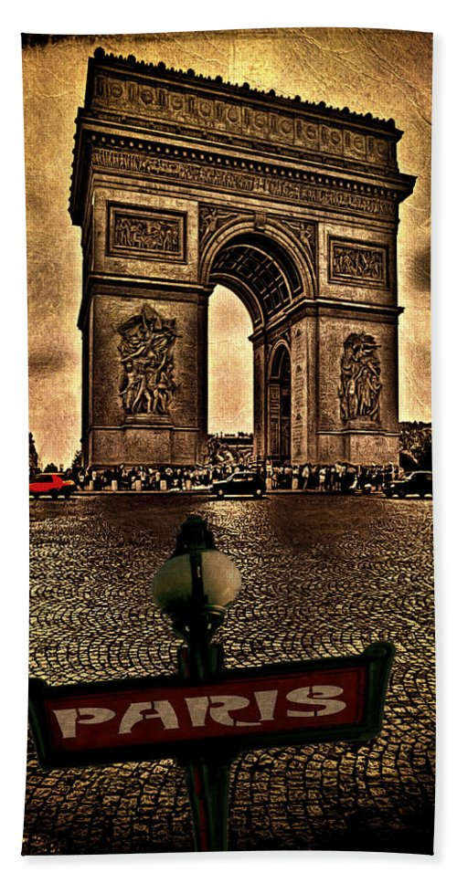 Paris Hand Towel featuring the photograph Arc De Triomphe by Chris Lord