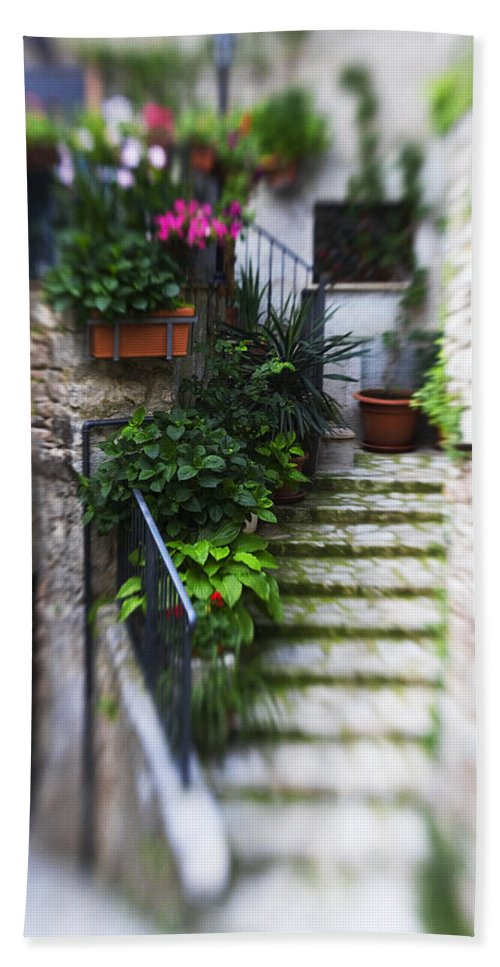 Italy Bath Sheet featuring the photograph Archway And Stairs by Marilyn Hunt