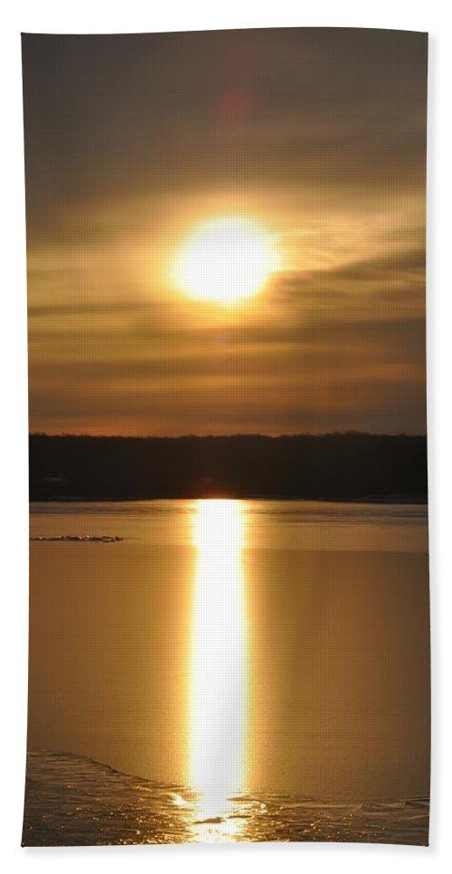 Arrowhead Bath Sheet featuring the photograph Arrowhead Lake Sunrise by Bill Cannon