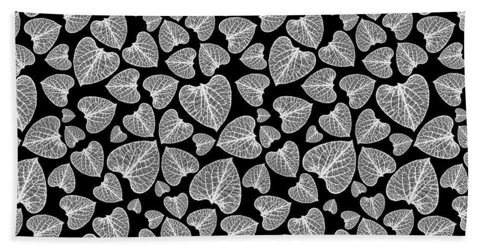 Black And White Bath Sheet featuring the mixed media Black And White Leaf Abstract by Christina Rollo
