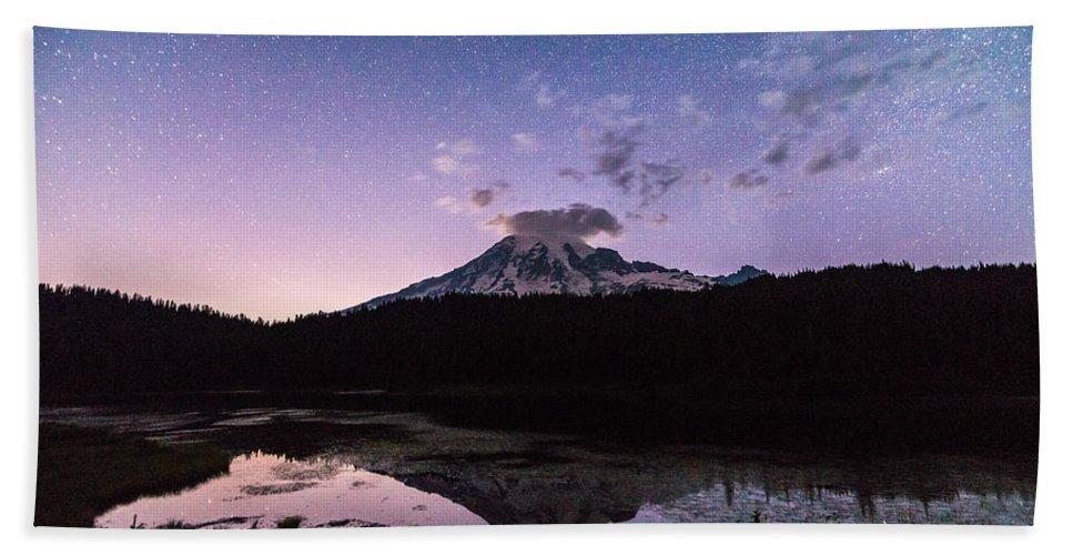 Mount Rainier Bath Towel featuring the photograph Astro Mountain by Kristopher Schoenleber