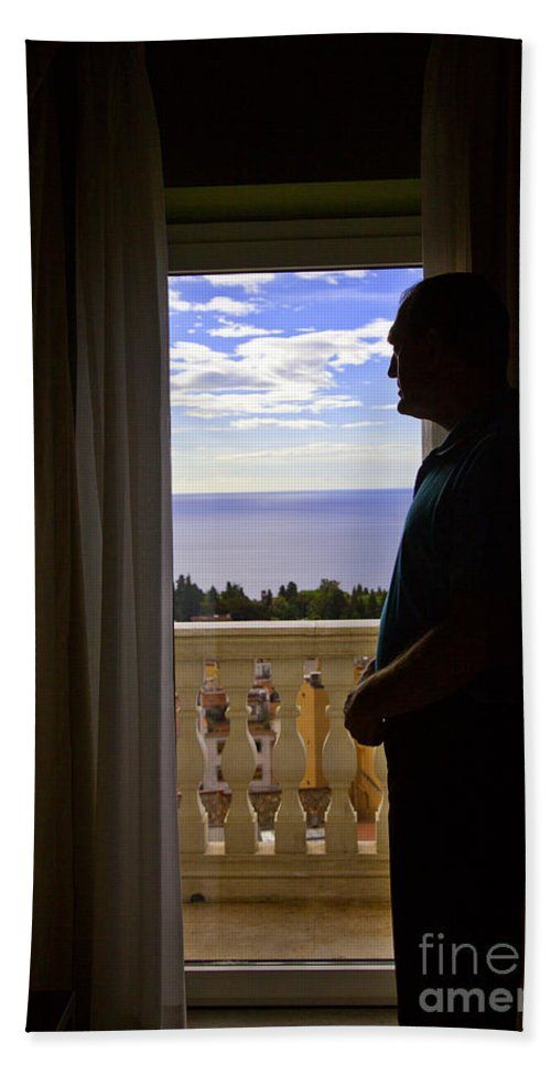 Window Hand Towel featuring the photograph At The Window In Taormina by Madeline Ellis