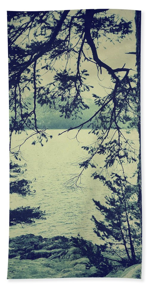 Connie Handscomb Bath Sheet featuring the photograph At The Water's Edge by Connie Handscomb