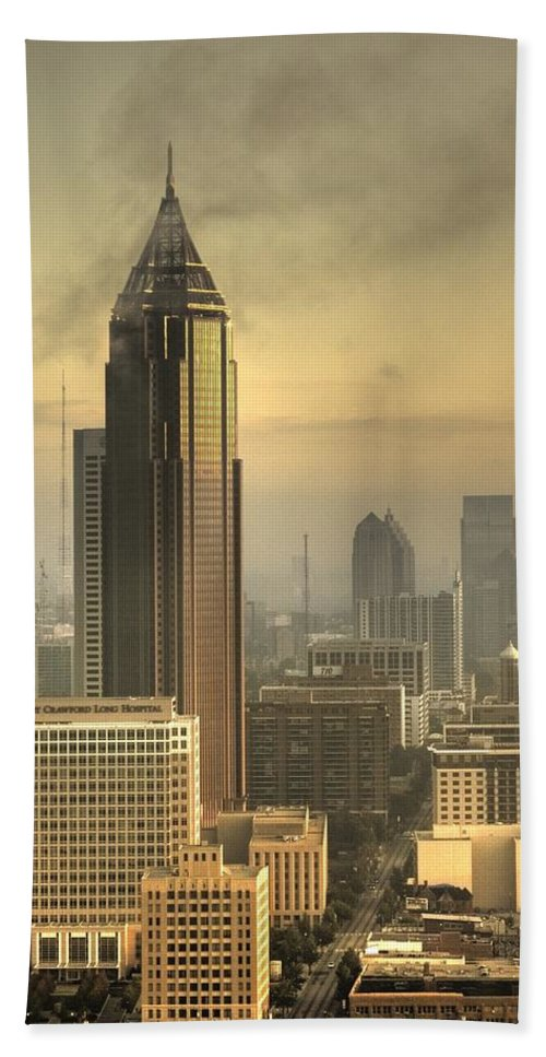 Atlanta Bath Sheet featuring the photograph Atlanta Skyline At Dusk by Robert Ponzoni