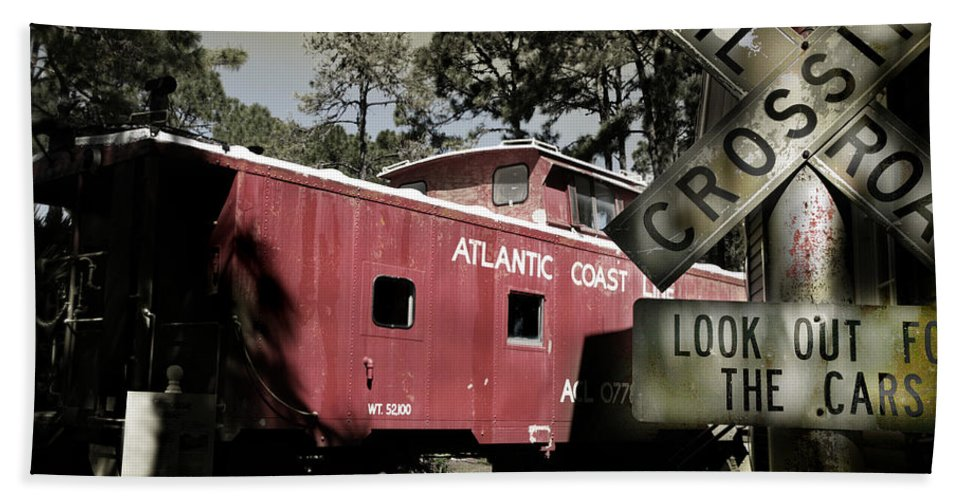 Atlantic Hand Towel featuring the photograph Atlantic Coast Line Railroad Carriage by Mal Bray