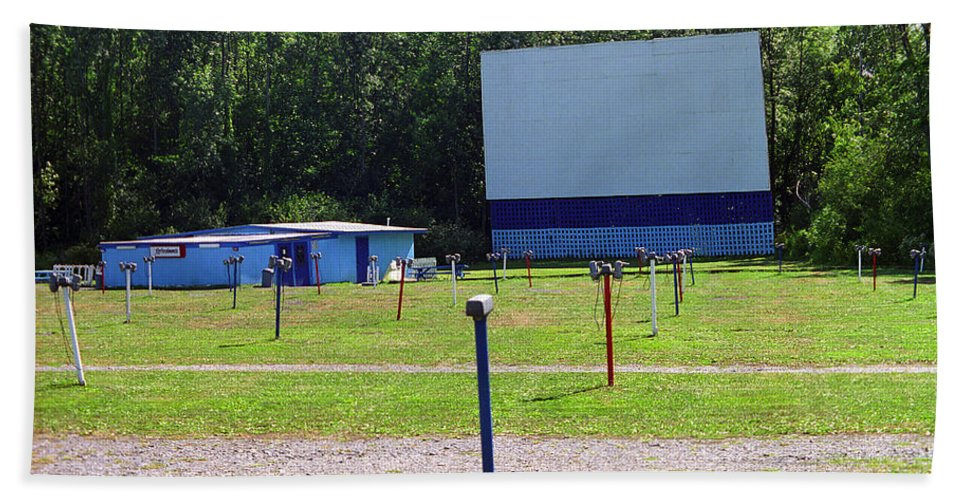 America Bath Sheet featuring the photograph Auburn Ny - Drive-in Theater 3 by Frank Romeo