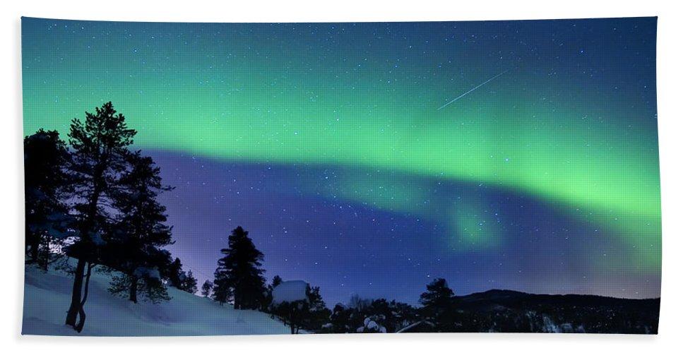 Aurora Borealis Bath Towel featuring the photograph Aurora Borealis And A Shooting Star by Arild Heitmann