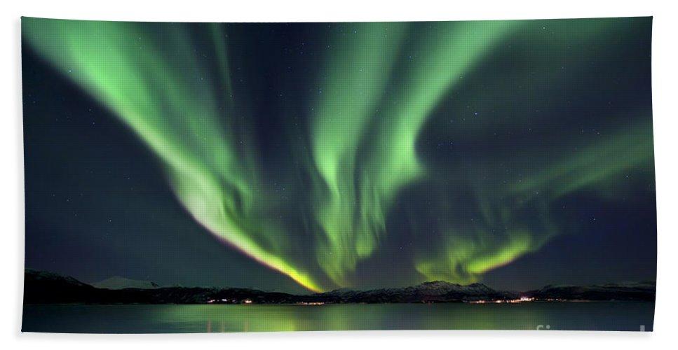 Aurora Borealis Hand Towel featuring the photograph Aurora Borealis Over Tjeldsundet by Arild Heitmann