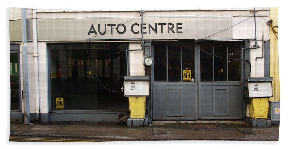Auto Bath Sheet featuring the photograph Auto Centre by Tim Nyberg