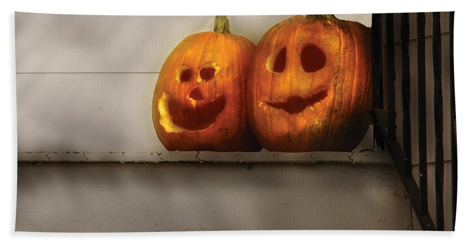 Savad Bath Sheet featuring the photograph Autumn - Pumpkins - Two Goofy Pumpkins by Mike Savad