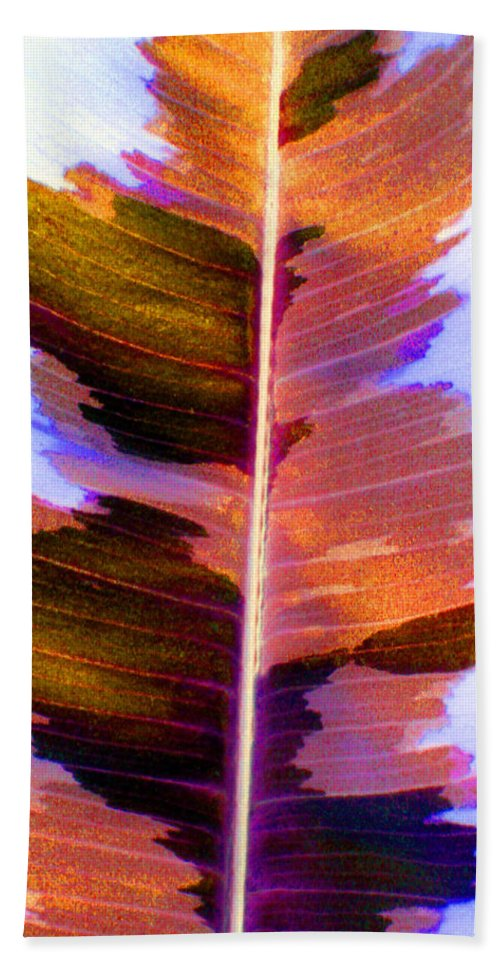 Pink Bath Towel featuring the photograph Autumn Abstract by Carolyn Stagger Cokley