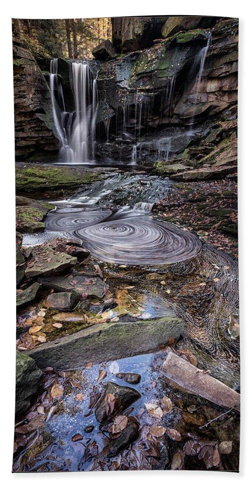 West Virginia Hand Towel featuring the photograph Autumn At Elakala by Robert Fawcett