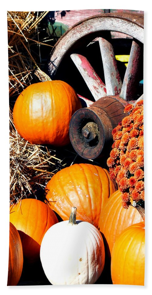 Autumn Hand Towel featuring the photograph Autumn Display by Michelle Joseph-Long
