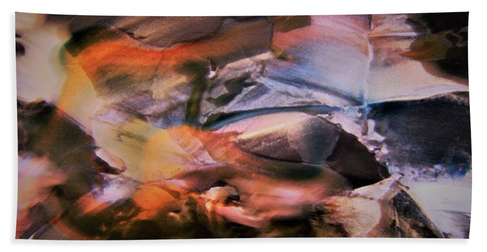 Autumn Hand Towel featuring the photograph Autumn Fades by Nordan Nielsen