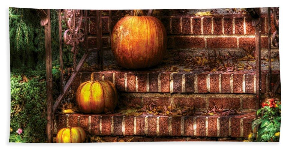 Pumpkins Bath Sheet featuring the photograph Autumn - Pumpkin - Three Pumpkins by Mike Savad