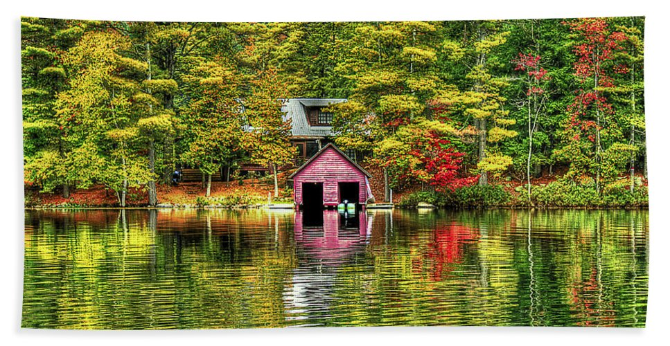 Foliage Bath Towel featuring the photograph Autumn Reflections by Evelina Kremsdorf