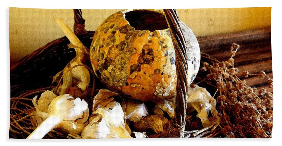 Still Life Bath Towel featuring the photograph Autumn Still Life by Nelson Strong