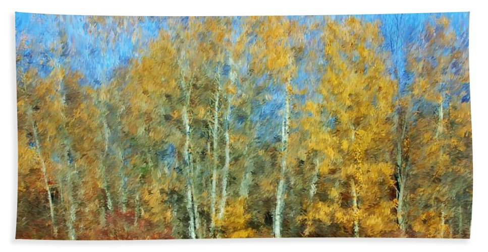 Hand Towel featuring the photograph Autumn Woodlot by David Lane