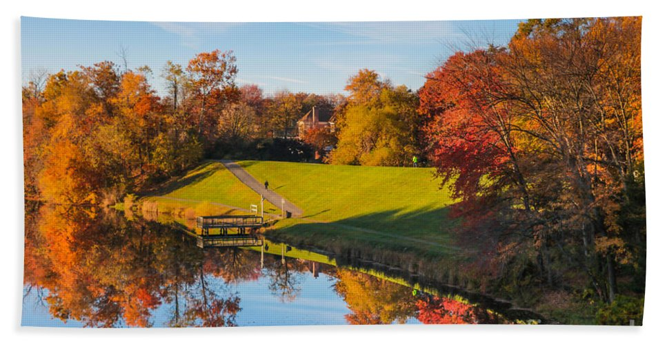 Gaithersburg Bath Sheet featuring the photograph Autumnal Scene by Thomas Marchessault