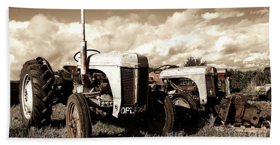 Tractor Bath Sheet featuring the photograph Awaiting The Auctioneer by Rob Hawkins