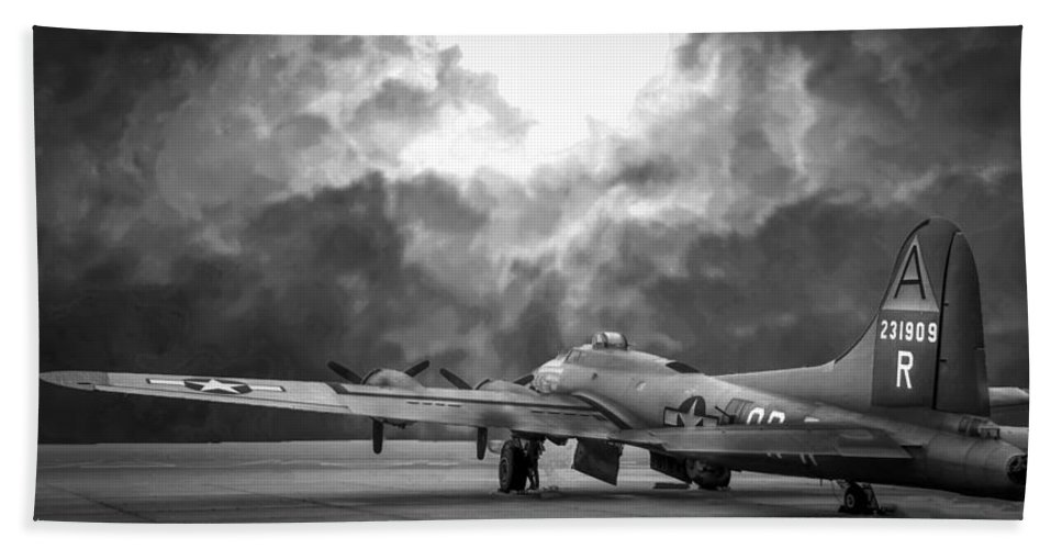 B17g Hand Towel featuring the photograph B17g Nine-0-nine Bw by Philip Rispin