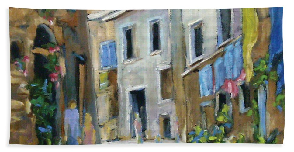 Urban Bath Towel featuring the painting Back Street by Richard T Pranke