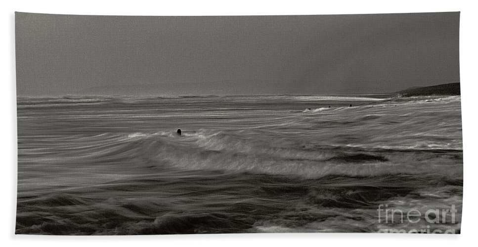 Sea Hand Towel featuring the photograph Backwash by Pete Moyes