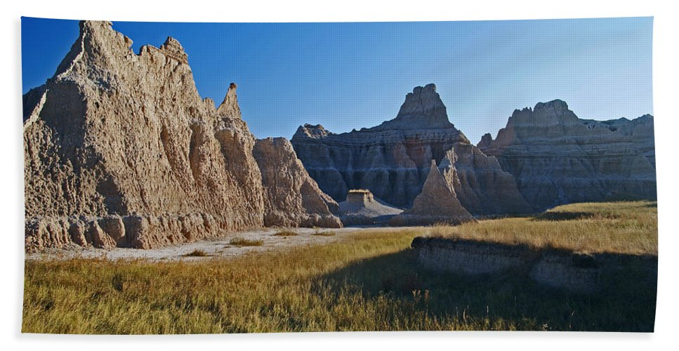 Sandstonr Formations Hand Towel featuring the photograph Badlands Sunset On Wihite Sandstpone by Glenn W Smith