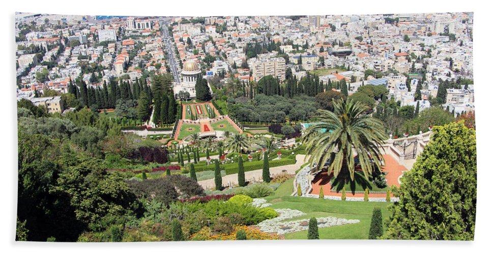Haifa Hand Towel featuring the photograph Bahai Temple by Munir Alawi