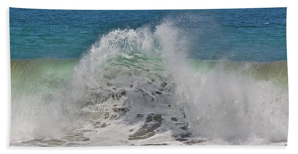 Sea Bath Sheet featuring the photograph Baja Wave by Diana Hatcher