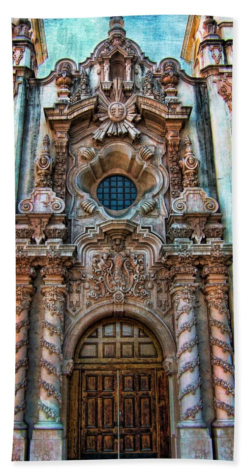 San Diego Bath Sheet featuring the photograph Balboa Park 7 by Tammy Wetzel