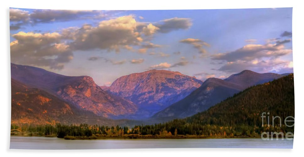 Landscape Hand Towel featuring the photograph Baldy Shadow Mountain Lake by Russell Smith