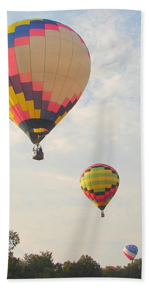 Bath Towel featuring the photograph Balloon Race by Luciana Seymour