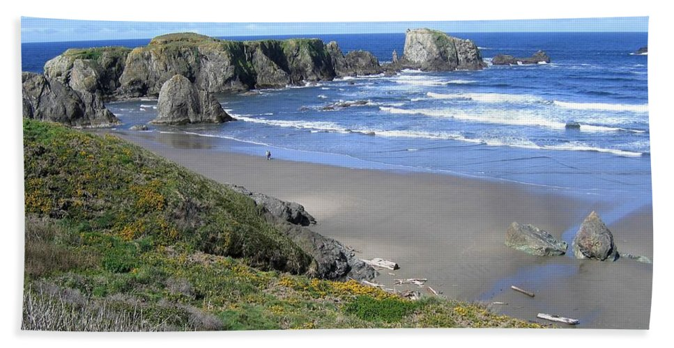 Bandon Hand Towel featuring the photograph Bandon 8 by Will Borden