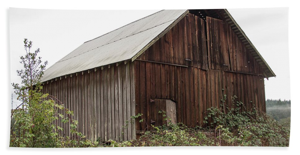 Barn Bath Sheet featuring the photograph Barn 2018_1_28-11-edit- by Roger Patterson