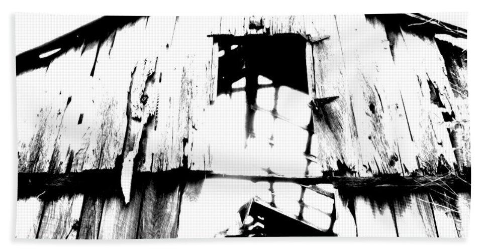 Barn Bath Sheet featuring the photograph Barn by Amanda Barcon