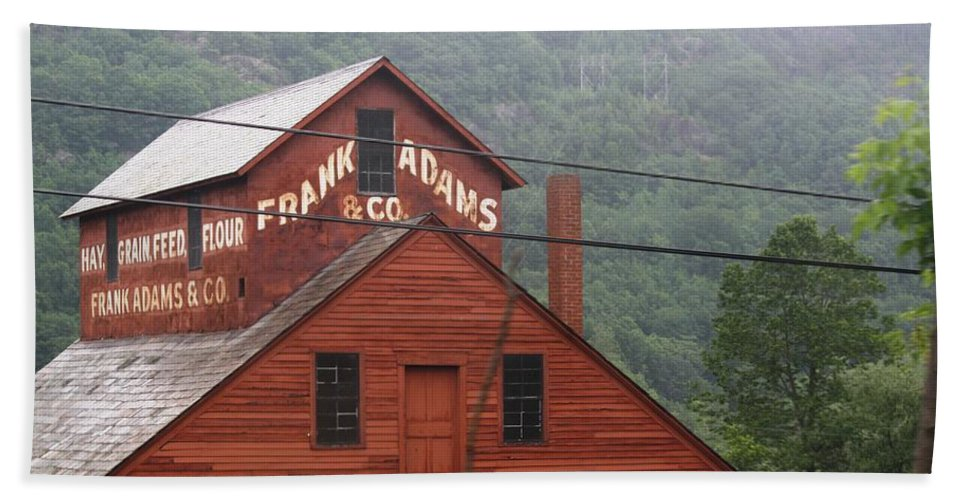 Barn Hand Towel featuring the photograph Barn In Vermont Along Amtrack by Donna Walsh