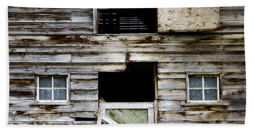 Barn Hand Towel featuring the photograph Barn Side by Wayne Sherriff