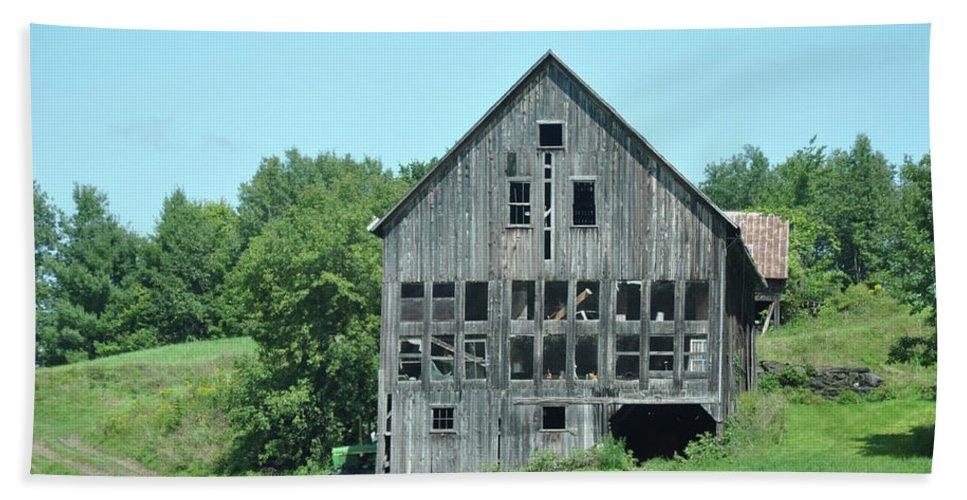 Barn Bath Sheet featuring the photograph Barn With Chickens In Window by Wanda-Lynn Searles
