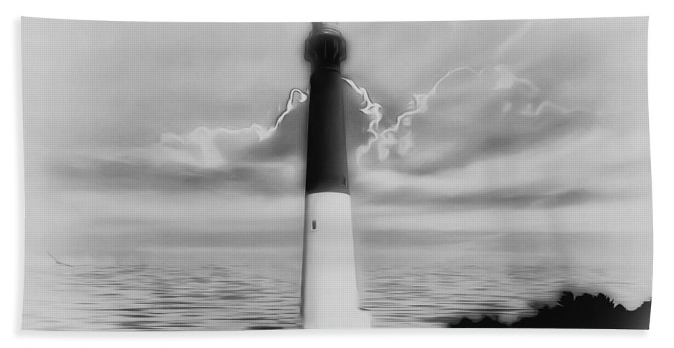 Barnegat Lighthouse In Black And White Bath Sheet featuring the photograph Barnegat Lighthouse In Black And White by Bill Cannon