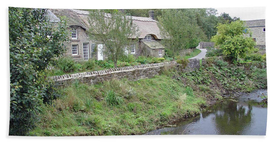 Europe Bath Sheet featuring the photograph Baslow Cottages by Rod Johnson