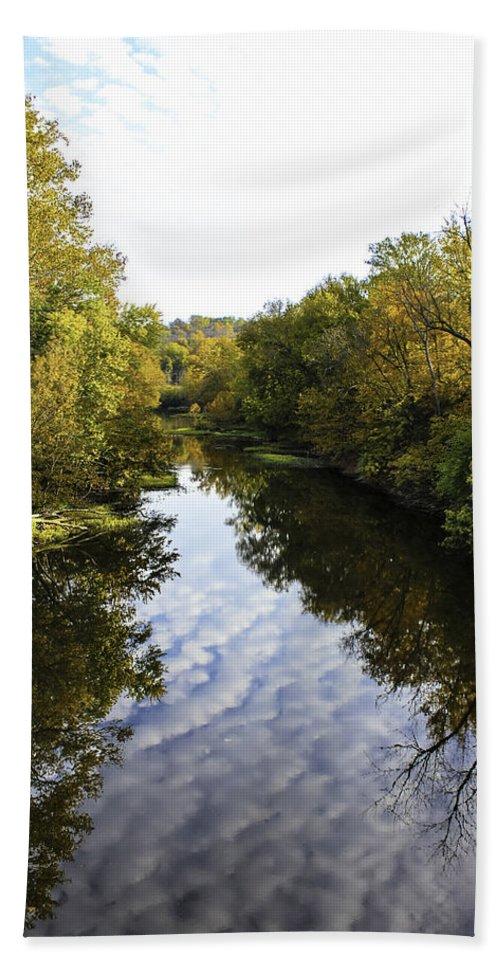 Landscape Bath Sheet featuring the photograph Batavia, Ohio Creek Vertical by Lorraine Baum