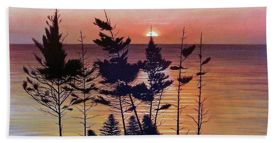 Bay Of Fundy Bath Towel featuring the painting Bay Of Fundy Sunset by Kenneth M Kirsch